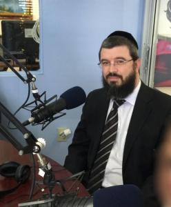 Rabbi Moshe Matz at a recent interview on Spanish Radio discussing the benefits of the Corporate Tax Scholarship Program that services well over 60,000 students in the State of Florida.