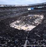 K'ish Echad B'Leiv Echad, MetLife Stadium Erupts in Celebration of Torah