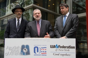 Pictured (left to right): Rabbi David Zwiebel, Executive Vice President of Agudath Israel of America, Allen Fagin, Executive Vice President of the Orthodox Union, and Eric Goldstein, CEO of the UJA-Federation of New York, announce a unified effort to push for the passage of the Parental Choice in Education Act. (photo credit: Allan Tannenbaum)